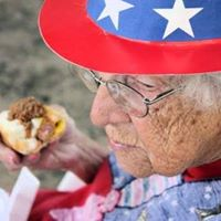 HOT DOGS, AN AMERICAN TRADITION!