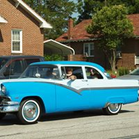CLASSIC CARS & A PARADE